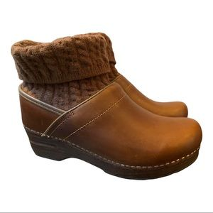 Dansko New Women's Chloe Clog/Boot Tan size 38